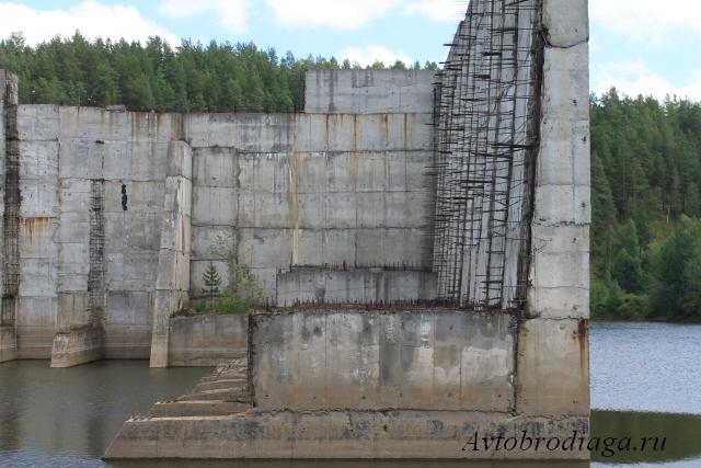 Недостроенная плотина Верхне - Араслановского водохранилища